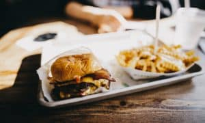 1920px-Best_Cheeseburger_ever_28Unsplash29.jpg