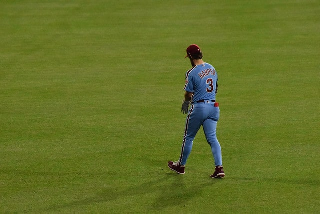 2e865c69 Bryce Harper blasts walk-off grand slam as Phillies sweep Cubs ...