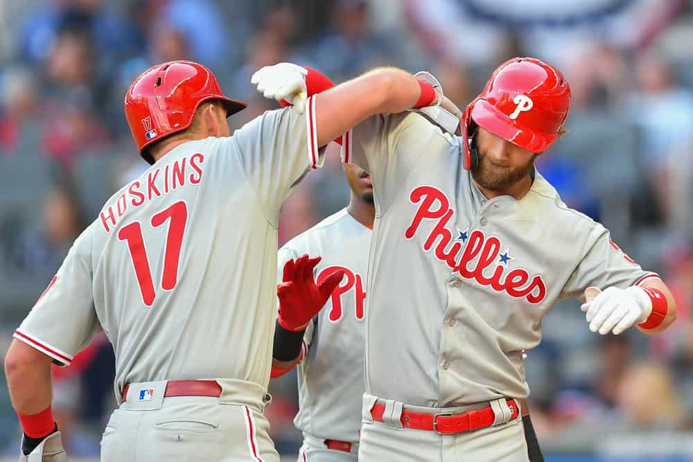 Hoskins Harper Combine For 3 Home Runs In Phillies Victory